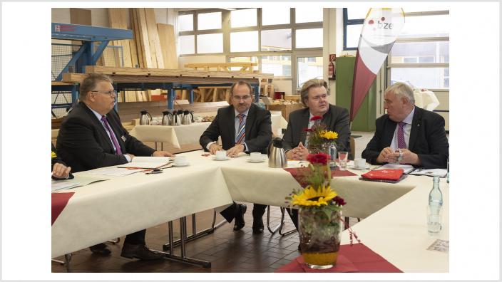 Besuch Minister Laumann im BZE